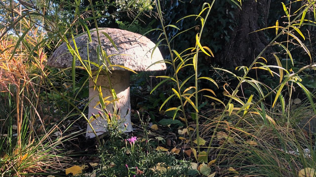 Antique mushroom
